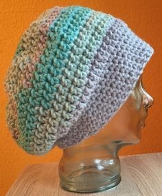 Crochet cap: Free directions in German. Crochet this has: Obtain the sample in english Crochet Pullover Pattern, Bonnet Crochet, Crochet Poncho Patterns, Crochet Cap, Chunky Crochet, Chunky Yarn, Free Crochet, Baby Knitting Patterns, Colored Rope
