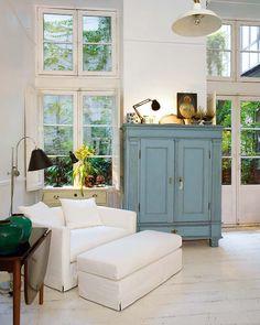 stylish storage ( love the blue)