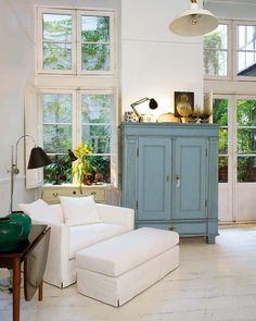 stylish storage ( love the blue)