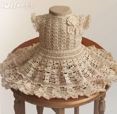 This makes me wish I could crochet...Crochet baby dress!