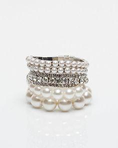 Ensemble de bracelets de pierres et fausses perles