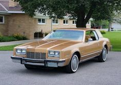 GM was definitely in a downsizing mood as the drew to a close. In to the Corporate Average Fuel Economy regulations enacted in 1975 and se Oldsmobile Toronado, American Classic Cars, Home Team, Us Cars, Fuel Economy, Automatic Transmission, Cadillac, Cars For Sale, Cars