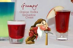 another signature drink idea for the reception Disney Themed Drinks, Disney Alcoholic Drinks, Disney Cocktails, Halloween Cocktails, Christmas Cocktails, Fun Cocktails, Cocktail Drinks, Fun Drinks, Yummy Drinks