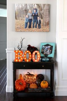 Home Remodel Living Room SPOOKTACULAR FALL DECOR: Who is thinking about fall decor already? Many of these pieces will transition right into Halloween! Tips for getting your home ready for fall! Diy Halloween Party, Soirée Halloween, Halloween School Treats, Spooky Halloween Decorations, Halloween Home Decor, Fall Home Decor, Holidays Halloween, Halloween Decorations Apartment, Halloween Quotes