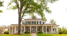 Stephen Fuller designs custom homes in the tradition of the great American architects that have come before us. Dream House Plans, My Dream Home, Custom Home Designs, Custom Homes, Colonial, Classic House, Future House, Farmhouse Style, Beautiful Homes