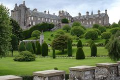 Best Public Topiary Gardens Drummond Castle and grounds were established in Perthshire, Scotland, in The tower house remains largely intact, but the gardens have been substantially changed over the centuries. Today there is some back-and-forth over t Topiary Garden, Topiary Trees, Villas, Parks, Scotland Castles, Scotland Uk, Tower House, Garden Guide, Garden Ideas
