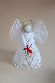 sněhobílý Háčkovaný anděl z kordonetky, výška cca 18 cm
