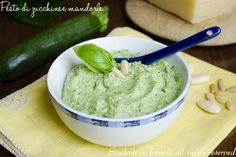 Pesto di zucchine e mandorle