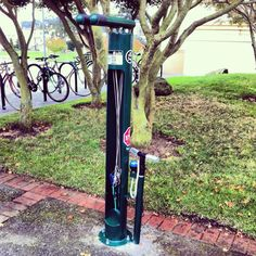 Woohoo! #usfca gets it's first Dero fixit public bike repair stand on campus. Scan the QR code for tips on repairs. pic.twitter.com/PngwPMOGTR
