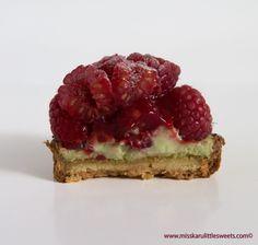 Pâtisserie Yann Couvreur / Tartelette Framboise Estragon (2) - Miss Karu Little Sweets