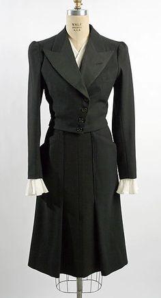 1929-1943 woman suit