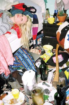 Messy Room - Photographer Maya Fuhr has taken it upon herself to document the wild girl in her natural habitat, the messy room. These bodacious babes shameles. Bedroom Photography, Film Photography, Reportage Photography, Photography Women, Messy Bedroom, Fotografia Social, Documentary Photography, Maya, Documentaries