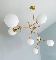 The company specializes in custom-made non-standard engineering lighting to undertake large-scale non-standard hotel lighting … – Christmas Deesserts Best Home Interior Design, Scandinavian Interior Design, Linear Lighting, Modern Lighting, Lighting Ideas, Brass Chandelier, Pendant Lamp, Tap Room, Glass Globe