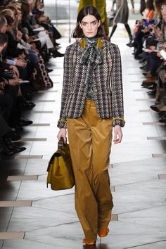 #ToryBurch  #fashion  #Koshchenets  Tory Burch Fall 2017 Ready-to-Wear Collection Photos - Vogue