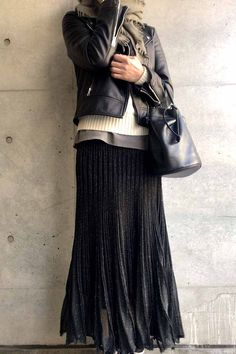 hard but feminine / コーディネート詳細 / Kyoko Kikuchi's Closet Layering Outfits, Casual Outfits, October Fashion, Simple Style, My Style, Riders Jacket, Biker Style, How To Look Better, Winter Fashion