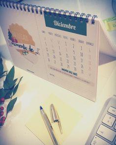 Bienvenido Diciembre  Último mes del calendario. Pide ya tu calendario nuevo para 2017 y llena de tu año de frases inspiradoras y misiones para propagar muchísima felicidad   Calendario 2017 de mesa disponible en www.virusdlafelicidad.com  #calendario2017 #calendario #2017 #holadiciembre #bienvenidodiciembre #diciembre #virusdlafelicidad