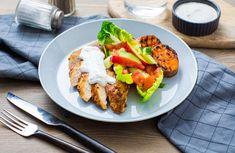 Kyllingbryst med søtpotetskiver, eple- og agurksalat og urtedressing – Sunne oppskrifter fra Roede-kjøkkenet Frisk, Food, Essen, Meals, Yemek, Eten