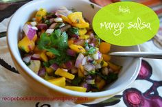 Fresh and Easy Mango Salsa... you lika tha Mango? Perfect for 4th of July party.