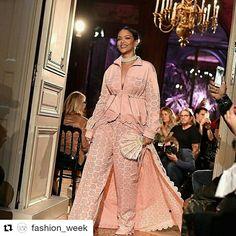 Rihanna Photos - Rihanna walks the runway during FENTY x PUMA by Rihanna at Hotel Salomon de Rothschild on September 2016 in Paris, France. - FENTY x PUMA by Rihanna : Runway - Paris Fashion Week Spring/Summer 2017 Moda Rihanna, Rihanna News, Rihanna Photos, Rihanna Fenty, Fenty Puma, Couture Fashion, Fashion Show, Paris Fashion Week 2016, Rihanna Style