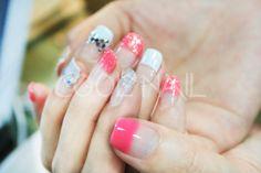 #coolnail #pinknail #gelnail #summernail #whitefrenchnail #frenchnail 여성스러우면서도 톡톡튀는 썸머젤네일