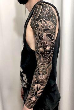 #japanese #japanesetattoo #irezumi #tattooart #Korea #Seoul #black #blackwork #blackworktattoo Traditional Japanese Tattoo Sleeve, Japanese Leg Tattoo, Japanese Sleeve Tattoos, Full Neck Tattoos, Best Sleeve Tattoos, Body Tattoos, Koi Tattoo Sleeve, Oni Tattoo, Samourai Tattoo