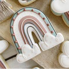 Rainbow Sugar Cookies, Sugar Cookie Royal Icing, Cookie Frosting, Fancy Cookies, Custom Cookies, Holiday Cookies, Cookie Designs, Cookie Ideas, Horse Cookies