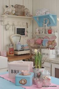 So shabby vintage...love it all!