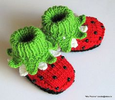 Knitted baby booties Ladybug red baby girls shoes / by MiaPiccina