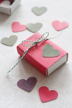 Hochzeitskonfetti & kleine Schachteln von www.lieschen-heiratet.de