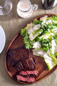 Slices of grilled steak make this Caesar salad recipe the perfect choice for a quick and easy dinner. Healthy Weeknight Meals, Healthy Dinner Recipes, Healthy Snacks, Vegetarian Recipes, Eating Healthy, Yummy Recipes, Recipies, Yummy Food, Grilled Steak Recipes