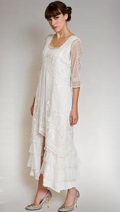 Gorgeous Vintage Inspired Titanic mother of the bride dress | Glitter & Lace