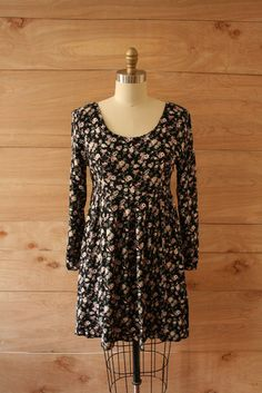 so sad to me that the 90s are considered vintage but I love this dress... so cute