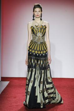 weird and cool. vintage and new and startling. like the dress version of a China Mieville story.  Naeem Khan Fall 2017 Ready-to-Wear collection.