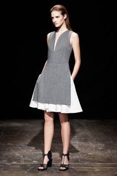 edb2218c213b0 44 meilleures images du tableau robes pour le travail   Low cut ...