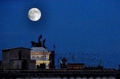 Vorrei donare il tuo sorriso alla luna .... Roma ❤️❤️❤️
