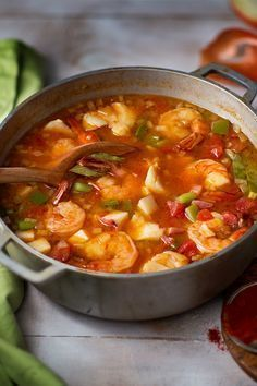 Looking for a new seafood recipe? This bright-red Hungarian Fisherman's soup is prepared with fish, bell peppers, tomatoes and spicy paprika. This famous bright-red Hungarian soup is prepared with fish, bell peppers, tomatoes and spicy paprika. Shrimp Soup, Seafood Stew, Chicken Soup, Fish And Seafood, Fish Dishes, Seafood Dishes, Seafood Soup Recipes, Seafood Chili Recipe, Seafood Platter
