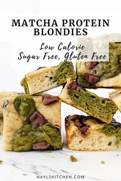 Really healthy Matcha Protein Blondies with the earthy green tea flavor and perfect sweetness for a dessert. These protein powder matcha blondies are without chocolate and have no sugar or butter either! Baking With Protein Powder, Plant Based Protein Powder, Protein Powder Recipes, High Protein Recipes, Protein Brownies, Protein Desserts, Vegan Blondies, Matcha Dessert, Gluten