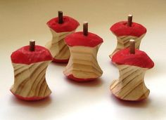 5 little apple cores wooden play food