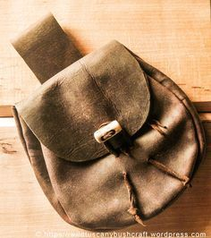 Make your own bushcraft leather belt pouch