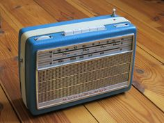 DIY Vintage Raspberry Pi Internet-Radio / Spotify Device
