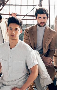 Matthew Daddario and Harry Shum Jnr publicity still. gloss photo print of the handsome 'Malec' S Shadowhunters Tv Series, Shadowhunters The Mortal Instruments, Matthew Daddario, Shadowhunter Alec, Clary Et Jace, Pretty Little Liars, Gossip Girl, Cassandra Clare Books, Alec Lightwood