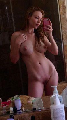 Sexy light skinned black girl nude