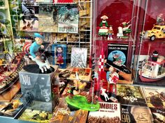 TinTin and other figurines in specialised shops in Antwerpen. http://www.elkedagvakantie.nl/index.php/2013/antwerpen-in-tien-tips/