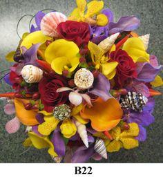 Beach wedding idea, seashells in the bouquet.