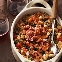Hearty Tuscan Bean Casserole ~ Bring the flavors of Tuscany to the table in this warming casserole recipe. It boasts delicious ingredients like antioxidant-rich kale, cannellini beans, and crispy prosciutto