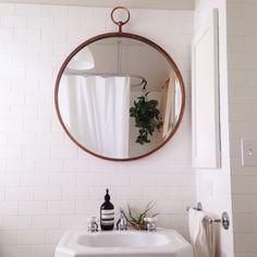 big round mirror
