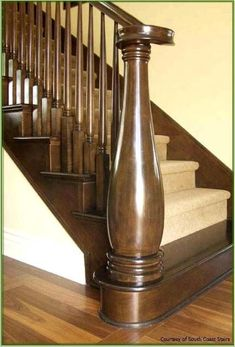 New old stairs wooden newel posts Ideas Entryway Stairs, Interior Staircase, Staircase Remodel, Stairs Architecture, Modern Staircase, House Stairs, Wood Stair Treads, Staircase Railings, Wooden Staircases