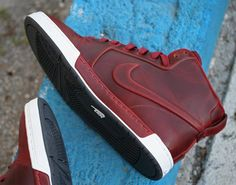Nike Air Royal Mid VT Team Red