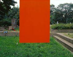 """Exposition """"Pierre Reimer"""", du 8 septembre au 31 octobre 2015. Photo : Sans titre (gazon-orange), 2005 © Pierre Reimer. Courtesy galerie du jour agnès b."""