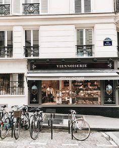 """Mi piace"": 2,359, commenti: 26 - My name is Anna (@paris.with.me) su Instagram: ""Urban landscapes #boulangerie"""